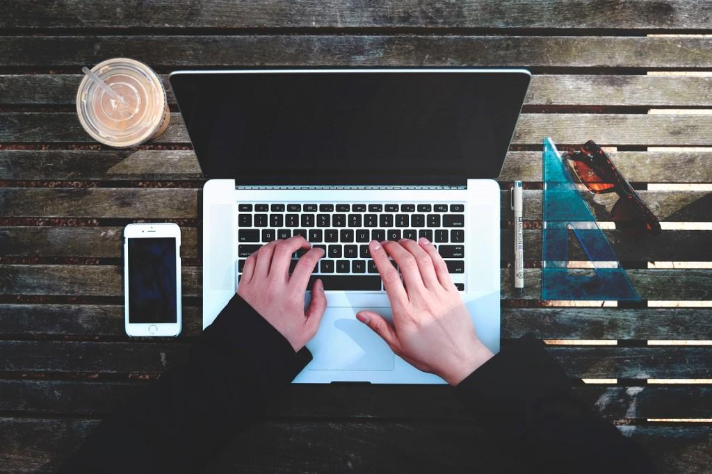 Na rynku laptopów z łatwością możemy znaleźć całą masę ciekawych urządzeń