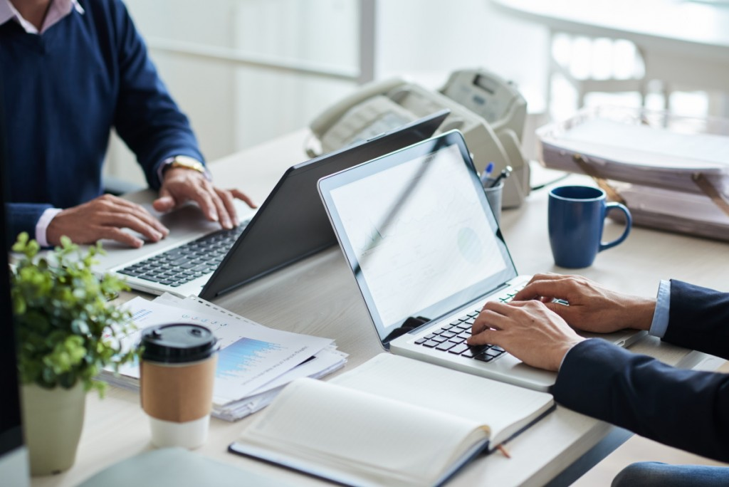 Notebook Lenovo ThinkPad L15 to nowość na rynku urządzeń przeznaczonych do biznesu