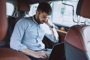 Często zmieniasz biura, musisz być w stałym kontakcie z firmą albo masz mnóstwo delegacji polecamy ThinkPad T14 dla każdego biznesu